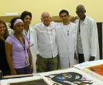Gilbert Brownstone y equipo de conservacion del Museo Nacional de Bellas Artes