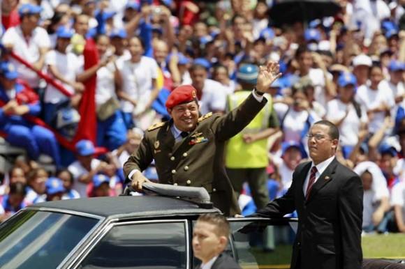 El presidente de Venezuela, Hugo Chávez, acompañado por gobernantes de varios países, abrió hoy la celebración del bicentenario