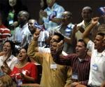 Delegados en la segunda jornada del IX Congreso de la Unión de Jóvenes Comunistas (UJC), en el Palacio de Convenciones de La Habana, Cuba, el 4 de abril de 2010. Foto: Omara García Mederos / AIN