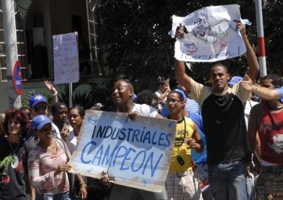 Béisbol Cuba: Llegada a La Habana del equipo Industriales