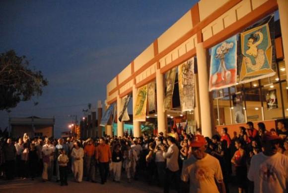 Inauguración de la octava edición del Festival Internacional del Cine Pobre de Humberto Solás, en Gibara, Holguín, el 19 de abril de 2010. AIN FOTO/Juan Pablo CARRERAS