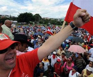 Maestros hondureños convocan a paro nacional