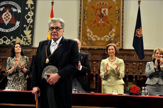 José Emilio Pacheco recibe el Premio Cervantes. Foto: Archivo de Cubadebate