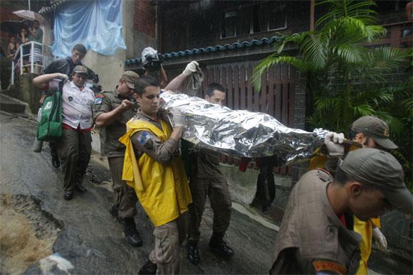 Río de Janeiro: Lluvias e inundaciones causan más de 100 muertos