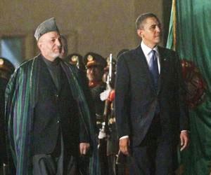 El presidente de Estados Unidos, Barack Obama, llegó este domingo a Afganistán en una visita no anunciada para reunirse con el mandatario afgano, Hamid Karzai, informó la Casa Blanca. Foto: Reuters
