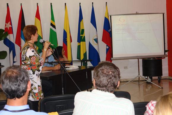 Teresita Espino, Gerente general de la Agencia Soycubano, presentó el sitio web Mallcubano.com
