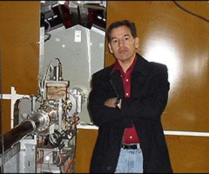 """Herrera es uno de los varios investigadores latinoamericanos que trabajan en la llamada """"máquina de Dios"""""""