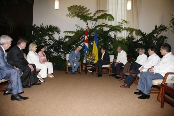 El cordial intercambio permitió abordar el positivo estado de las relaciones bilaterales y sus perspectivas entre los dos países. Foto: Raúl Abreu