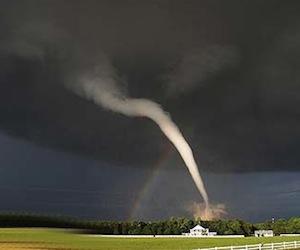 Trece muertes en Oklahoma, Kansas y Arkansas tras tornados