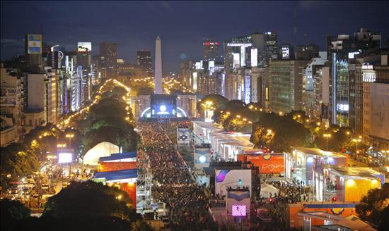 Cristina Fernández inaugura los festejos por el Bicentenario de Argentina