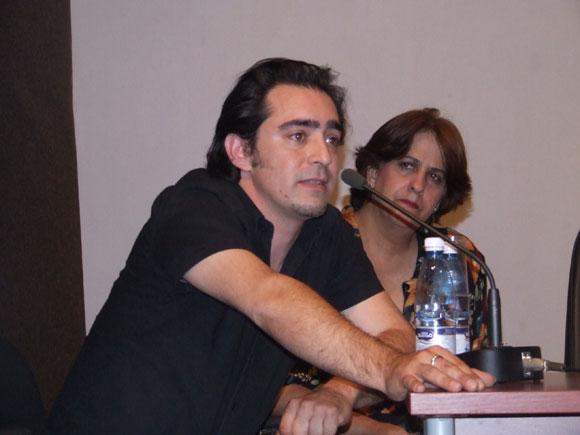 Raúl Rodríguez, tresero y guitarrista español en la Conferencia de Prensa de Cubadisco 2010. Foto: Marianela Dufflar / Cubadebate