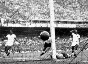 El Maracanazo, Uruguay gana a Brasil con gol de Ghiggia