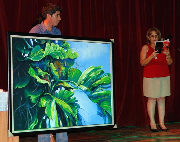 Cuadro del artista de la plástica Rodolfo Valdés Montes de Oca que le fue regalado a Celina en su homenaje. Foto: Marianela Dufflar
