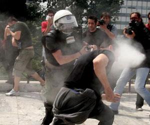 ¿Quién quiere destruir Grecia?