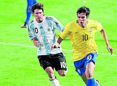 Messi y Kaká, estrellas de Argentina y Brasil