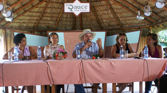 """Lazamiento del disco """"Mis Raíces"""", de María Victoria Rodríguez y Pancho Amat. Foto: Marianela Dufflar / Cubadebate"""