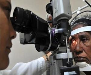 Médicos cubanos realizaron 600 mil cirugías de ojos en Bolivia