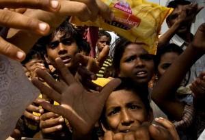 ninos-indios-con-hambre
