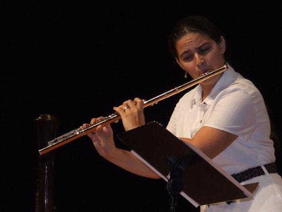 La Flautista Niurka González, en el Concierto Inauguración Cubadisco 2010. Foto: Marianela Dufflar / Cubadebate