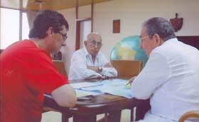 Raúl Castro, José Ramón MAchado Ventura y el Secretario General del PCE José Luis Centella