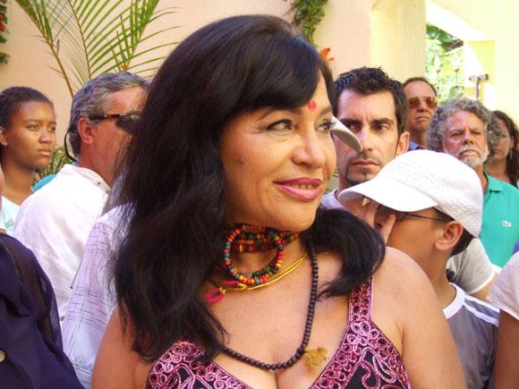 """Zaida del Río, artista de la plástica cubana, en la inauguración de su exposición """"La Danza Cósmica de Shiva"""". Foto: Marianela Dufflar"""