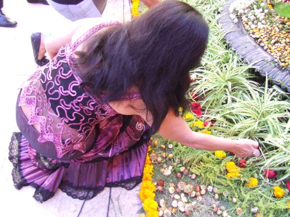 """Zaida del Río en la inauguración de su exposición """"La Danza Cósmica de Shiva"""". Foto: Marianela Dufflar"""