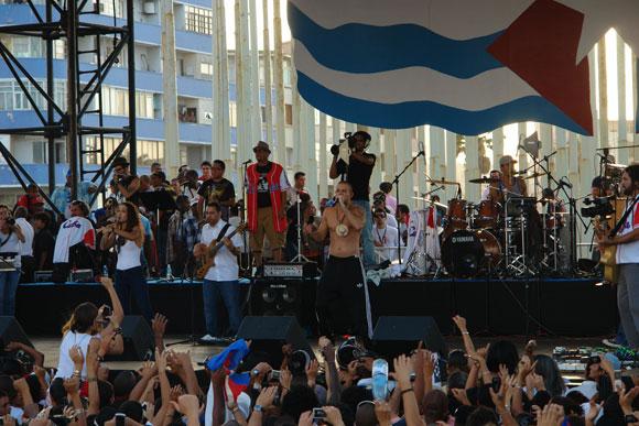 Grupo Calle 13 en su actuación en la Tribuna Antimperialista José Martí de la capital cubana. Foto: Marianela Dufflar