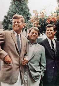 John, Robert y Ted Kennedy, en imagen de archivo. Foto Ap