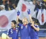 Japón le gana 1-3 a Dinamarca con un par de goles de tiro libre. Foto: Reuters