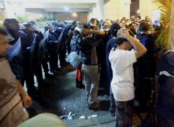 mas-de-500-personas-detenidas-por-protestas-contra-g2003-600x437
