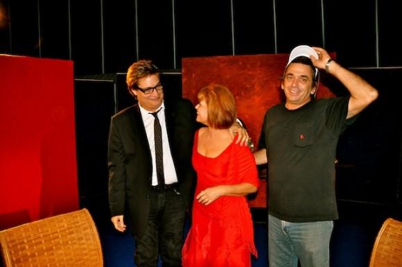 """Mirtha Ibarra, Amaury Pérez y Rafael Solís, director de Fotografía, en """"Con 2 que se quieran"""". Fotos: Petí"""