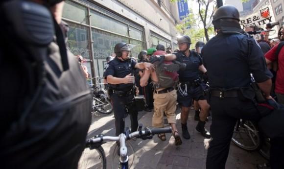 protesta-en-toronto-contra-g20