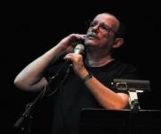 Silvio durante su concierto en Oakland, en junio de 2010. Foto: Bill Hackwell