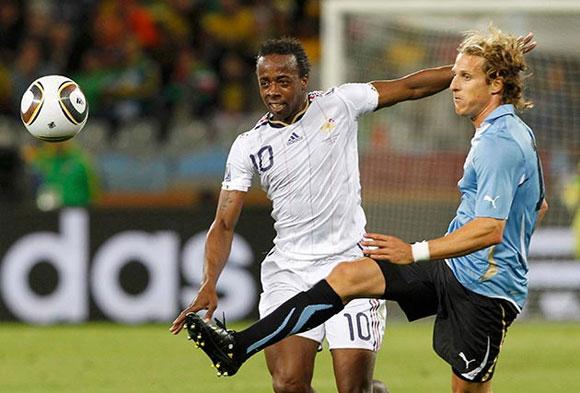 Uruguay vs Francia, primer tiempo del juego en su estreno en el Mundial de Fútbol Sudáfrica 2010. Foto: Reuters