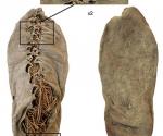 Esta fotografía sin fecha distribuida por el Departamento de Arqueología de la Universidad de Cork, Irlanda, muestra lo que sería el zapato más antiguo del mundo. AP Foto/Department of Archaeology University College Cork
