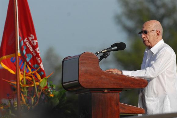 José Ramón Machado Ventura tuvo a cargo las palabras por el Acto del 26 de julio en Santa Clara. Foto: Roberto Ruiz Espinosa