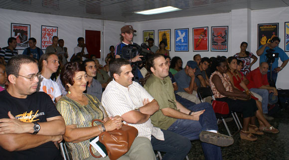 Encuentro con Choco, en la Feria Arte en la Rampa. Foto: Cubadebate