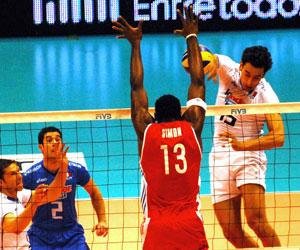 Cuba vs Italia en Liga Mundial de Voleibol, 2010. Foto: Irma MONTIE