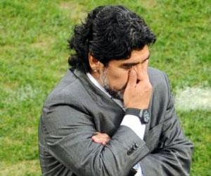 Maradona y otros ídolos del deporte argentino lamentan muerte de Kirchner
