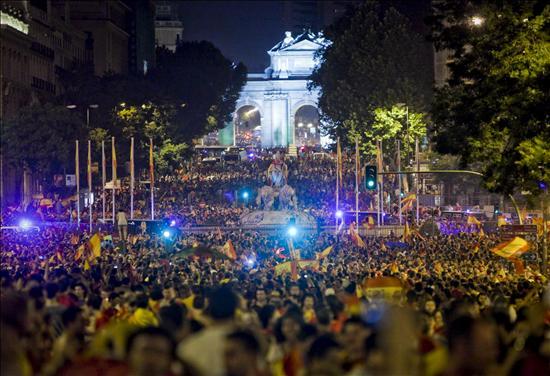 España celebró en las calles la victoria. Foto: EFE