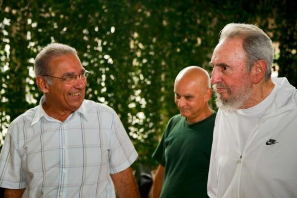 Visita del líder cubano Fidel Castro al CENIC. Foto: Alex Castro