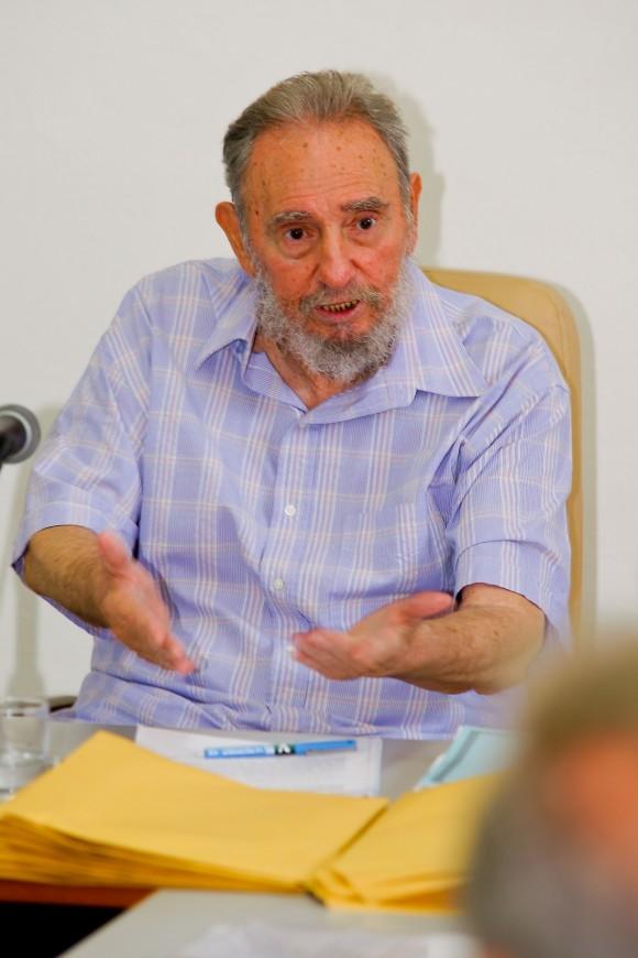 Fidel en el Centro de Estudios de la Economía Mundial. Foto: Alex Castro