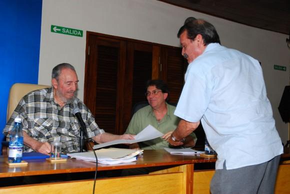 Fidel en el MINREX. Foto: Estudios Revolución