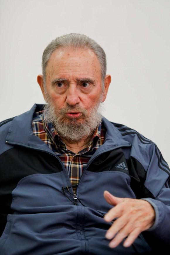 Fidel en la Mesa Redonda. Foto: Alex Castro