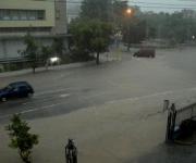 Fuertes lluvias, inundan la esquina de J y 23 en el Vedado capitalino, el 16 de julio de 2010. AIN FOTO/Omara GARCIA MEDEROS
