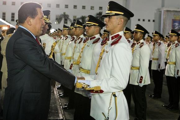 Ceremonia de ascensos militares y de graduación conjunta y pase a retiro