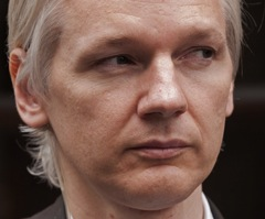 A pesar de las amenazas judiciales, Julian Assange, el creador de Wikileaks, asegura que no planea cerrar el sitio. Foto: AFP