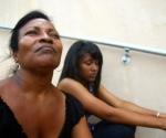 Madre e hija, víctimas de los macanazos. Foto:
