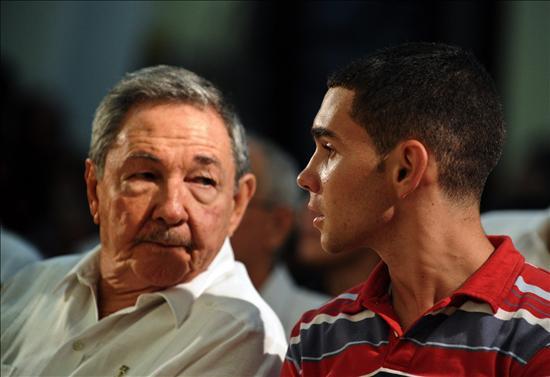 Raúl y Elián González Foto: EFE