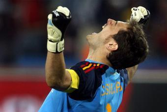 Iker Casillas una de las figuras del día en el Mundial